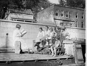 70ad48c04a7 Canal boat school, 1921. Credit: Library of Congress. Control number  2016831386
